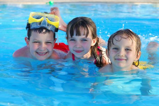 barmera-lr-kids_swimming-large-2